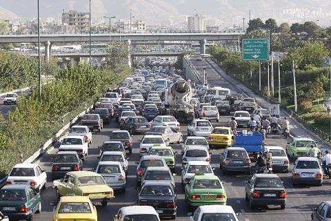 انجام معاینه فنی ۲ هزار و ۹۰۰ خودروی سنگین در معابر تهران