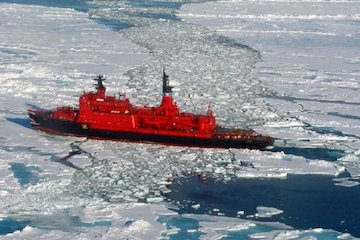 با وجود مخاطرات زیست محیطی روسیه به مسیرهای دریایی قطب شمال چنگ اندازی میکند
