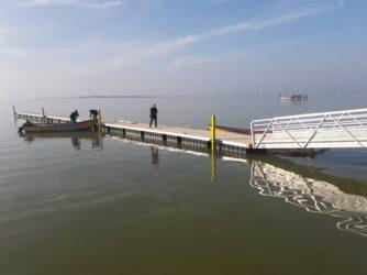 نصب اسکله پانتونی شناور در بندرترکمن/ استاندارد سازی اسکله های سنتی بندر ترکمن