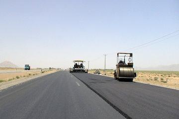 وزیر راه و شهرسازى در سفربه قزوین انجام شد: پیشرفت قطعات ١تا ٣ از قزوین به الموت به طول ۶۴ کیلومتر با ٨٠ درصد پیشرفت فیزیکى