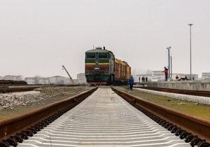 پایان عملیات ریلگذاری خط آهن خاش- زاهدان با ثبت چندین رکورد